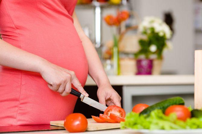 10 неделя беременности от зачатия: как выглядит живот и плод, ощущения мамы, признаки беременности