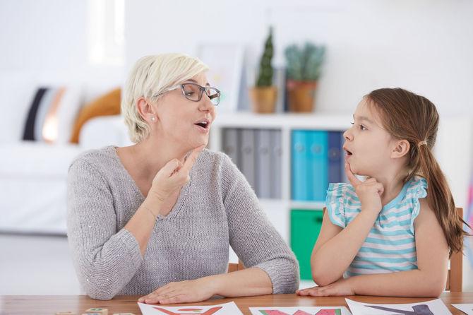 В каком возрасте у ребенка может начаться заикание