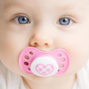 7 способов отучить малыша от соски