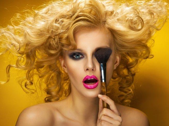 Приёмы в макияже, которые нас старят