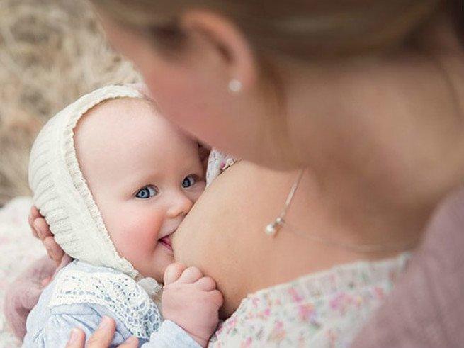 Что делать, если не хватает молока кормящей матери