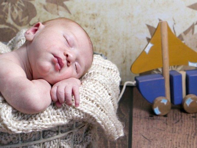 Чем лечить запор и понос у ребёнка в 2 месяца