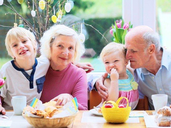 Бабушки и дедушки не интересуются внуками