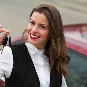 Правительство РФ просят разрешить  выдачу водительских удостоверений с 16 лет