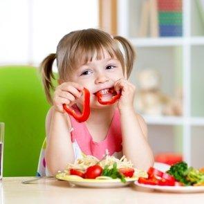 Распространённые ошибки в питании детей до трёх лет