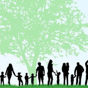 Многодетная семья взяла на воспитание пятерых приемных детей