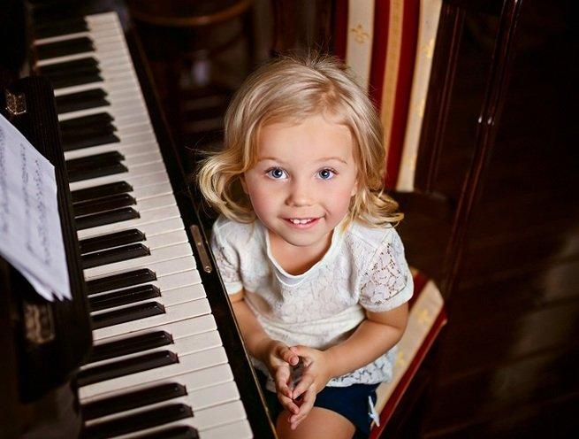 Угадай мелодию: 6 полезных музыкальных игр