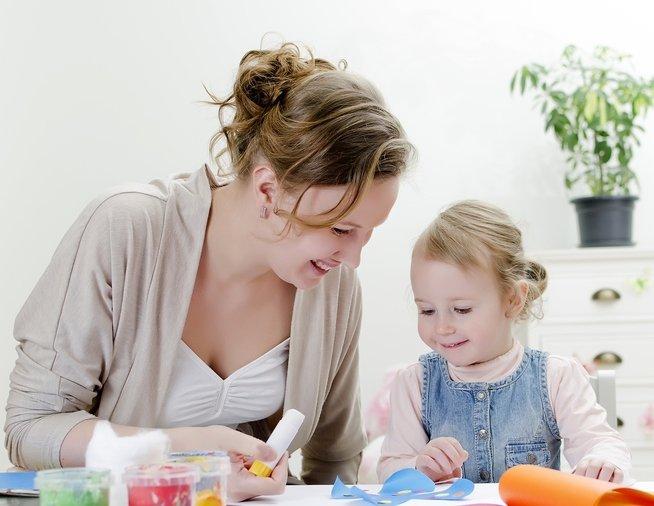 Родители тестируют: 8 реальных отзывов о развивающих наклейках для малышей