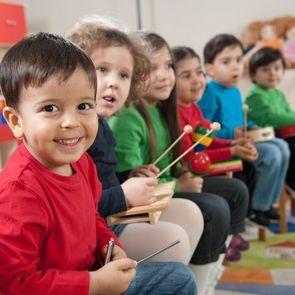 Во Франции детские сады сделают обязательными