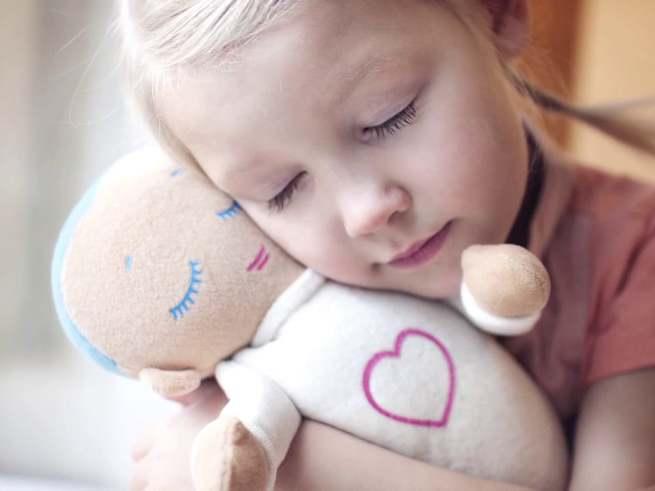 Cоздана кукла, которая заменяет маму