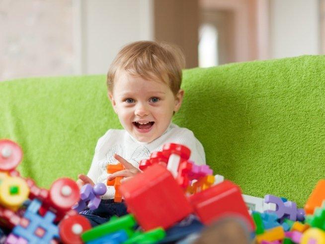 10 полезных игрушек, которые перейдут от старшего ребёнка к младшему