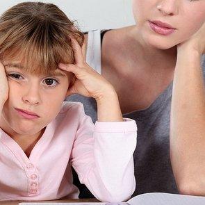 Нужно ли делать с ребенком уроки? Отвечает эксперт