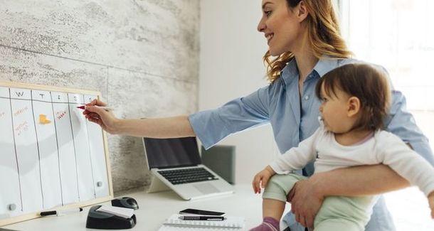 """""""Из-за ребенка меня не брали на работу"""". Монологи мам."""