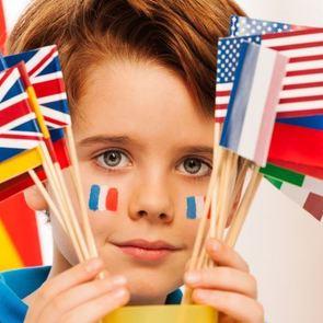 Двуязычная семья: как правильно воспитать ребёнка-билингва