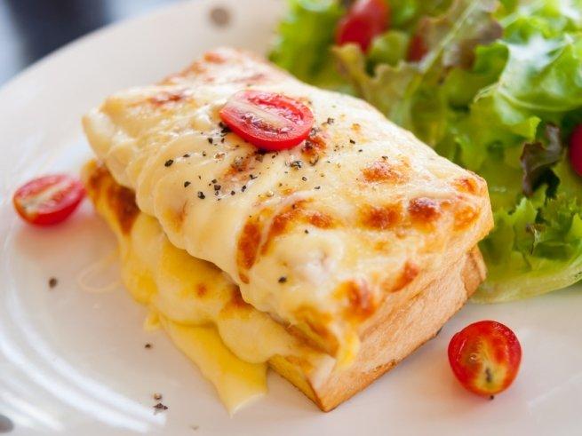 Оригинальные рецепты горячих бутербродов