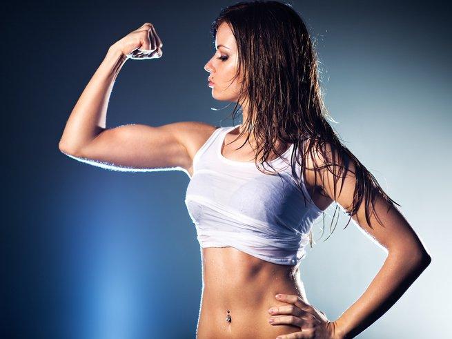 Силовые тренировки полезны для девушек