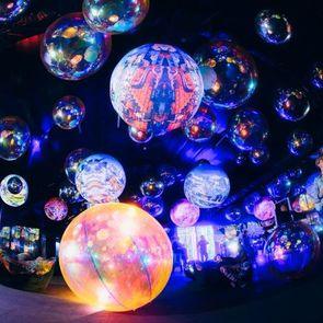 Путешествие по мирам на выставке Mystic Universe