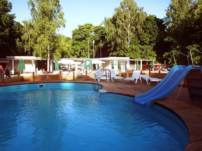5 лучших открытых бассейнов Москвы