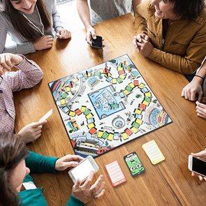 Что подарить ребенку на Новый год? 10 настольных игр