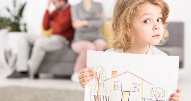 «Остаться нельзя разойтись»: во имя чего мы готовы сохранять семью и так ли это необходимо