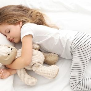 Простые приёмы, помогающие ребёнку быстрее заснуть