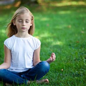 8 способов расслабиться для ребенка