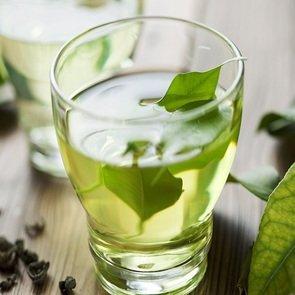 С какого возраста можно пить чай ребёнку