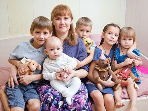 «Закон о пасынках» лишает многодетных матерей всех льгот