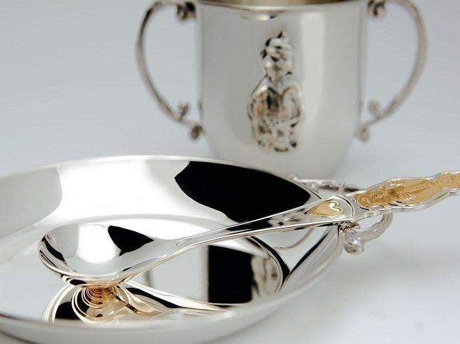 Серебряная ложечка ребёнку - традиция или оберег?