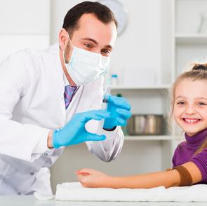 Сделать прививку  ребёнку теперь можно в выходной день