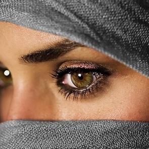 На арабском ТВ показали, как правильно наносить макияж после побоев мужа
