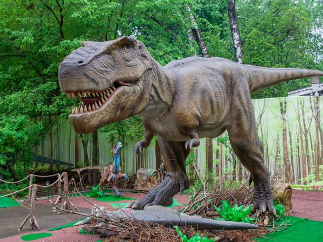 В  «Сокольниках» гуляют динозавры