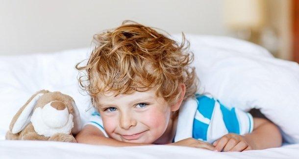 Ребёнок не хочет спать днём: что делать