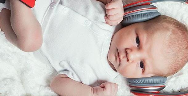 Развитие зрения и слуха у новорожденного