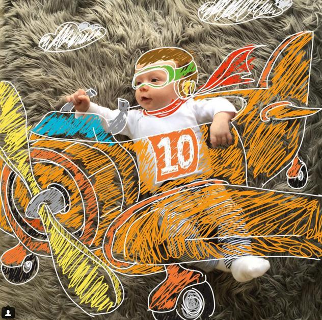 Родители превратили своего годовалого ребёнка в героя комикса