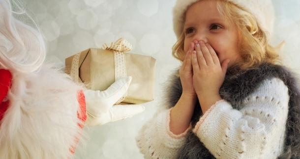 Как научить ребёнка ценить подарки?