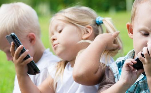Малыш и гаджет: мнение психолога