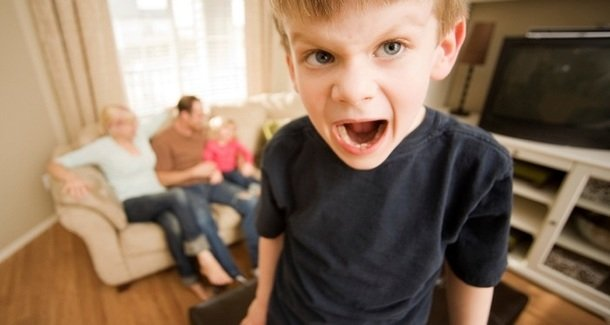 Проблемы с поведением ребёнка в 8 лет