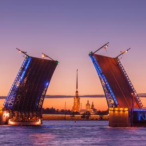 В Санкт-Петербурге увеличили господдержку семьям с детьми