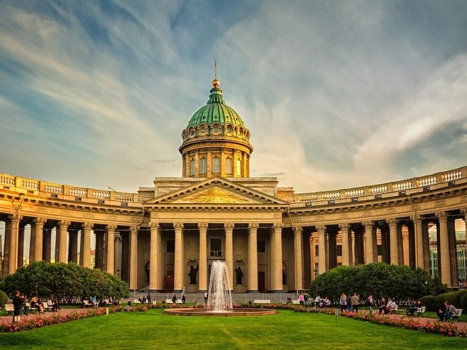Лучшие места для семейной прогулки по Санкт-Петербургу