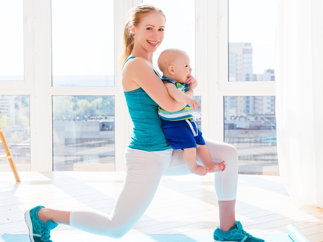 Фитнес с малышом: худеем и играем