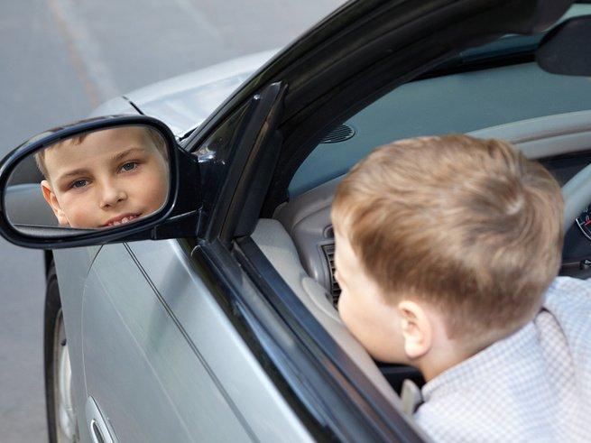 11-летний мальчик отправился на джипе за мороженым