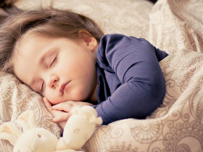 Почему ребёнок храпит во сне