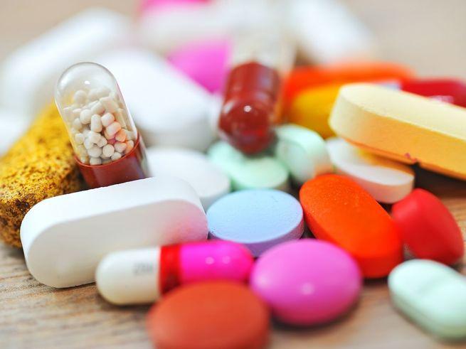 Приём антибиотиков в детстве грозит лишним весом