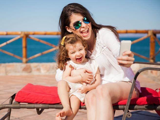 Что на самом деле скрывается за беспечной жизнью мам?