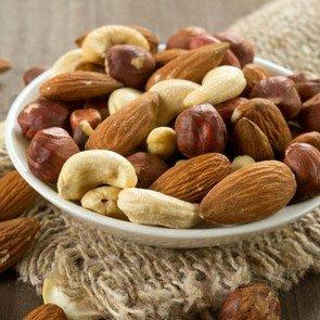 Можно ли орехи при грудном вскармливании
