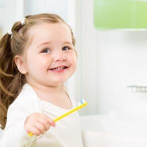 5 способов приучить малыша чистить зубы