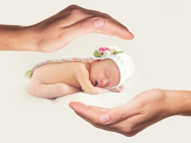 Как одевать новорожденного зимой и летом