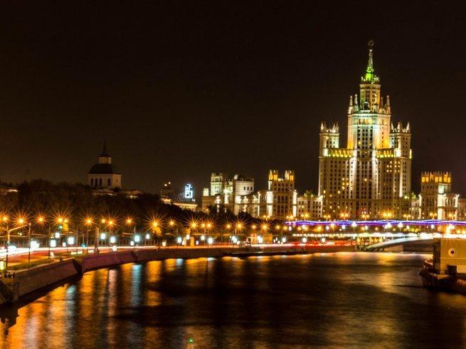 Проникнитесь очарованием города на экскурсии «Огни ночной Москвы»