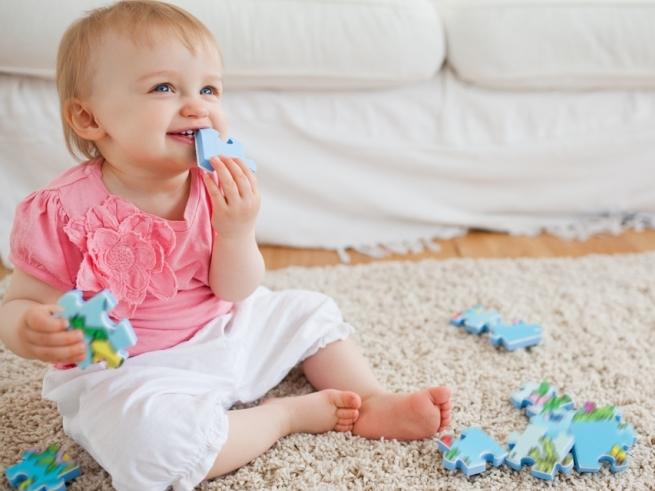 Мы растём: развитие малыша с 6 до 9 месяцев